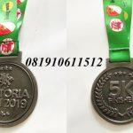 pembuat medali