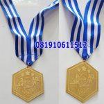 medali gold bintik