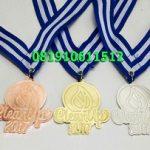 medali logam logo