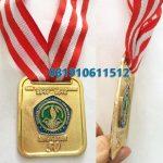 medali wisuda cor