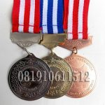 pembuat medali murah